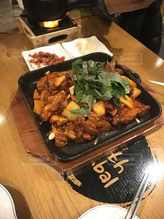 肉,韓国,激辛,豚足,ジョクバル