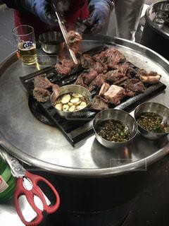 韓国、ソウルの新村にある延南ソ食堂のカルビの写真・画像素材[806883]