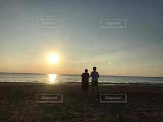 海,空,太陽,ビーチ,砂浜,夕暮れ,光,立つ