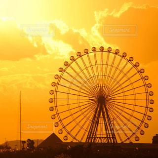 夕日に映える観覧車🎡の写真・画像素材[1292975]