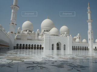 大きな白い建物の写真・画像素材[910869]
