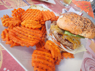 ハンバーガー,ハワイ,ワイキキ,オアフ島,ビーチウォーク,cheeseburger
