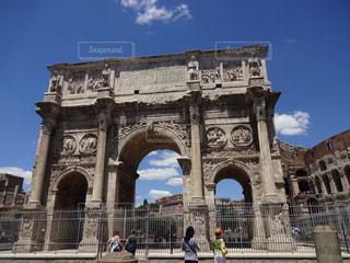 イタリア ローマ コンスタンティヌスの凱旋門の写真・画像素材[787834]
