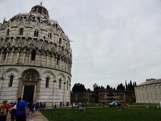 イタリアピサのドゥオモ広場の写真・画像素材[787849]