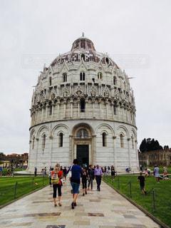 イタリア ピサのドゥオモ広場の写真・画像素材[787852]