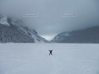 冬,雪,湖,白,雪景色,カナダ,ホワイト,氷点下,バンフ,レイクルイーズ,湖の上