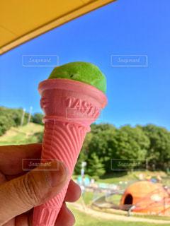 青い空とピンクこーんの写真・画像素材[864292]