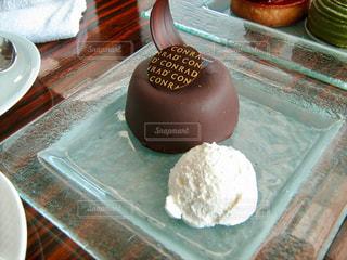 ケーキ,チョコレート,ラウンジ,ケーキセット,ザッハトルテ,ガラスの器,コンラッド東京