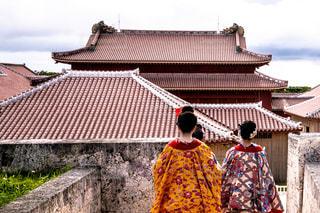 女性,風景,屋外,雲,後ろ姿,沖縄,城,お城,観光,人物,背中,人,後姿,旅行,旅,眺め