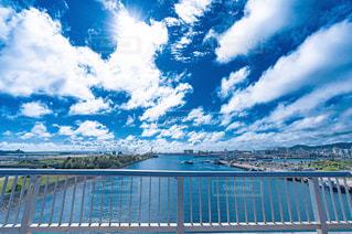 水域に架かる橋の写真・画像素材[2264000]