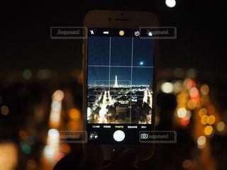エッフェル塔を撮影の写真・画像素材[2283383]