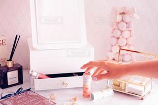 ネイル,ピンク,かわいい,香水,コスメ,化粧品,ドレッサー,パフュームスティック,perfumestick