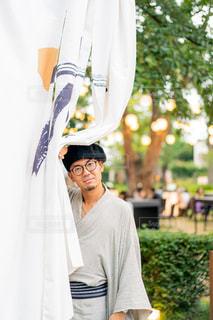 白いドレスを着た人の写真・画像素材[2304459]