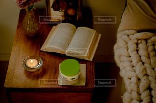 テーブルの上の食べ物をクローズアップするの写真・画像素材[2763624]