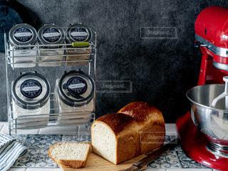 食べ物が入った鍋を閉じるの写真・画像素材[2865688]
