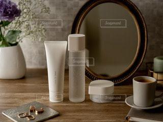 テーブルの上のコーヒー1杯の写真・画像素材[2890265]