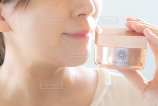 歯を磨く女性の写真・画像素材[3694177]