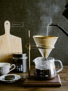 食べ物,カフェ,コーヒー,屋内,リラックス,マグカップ,食器,おうちカフェ,ドリンク,おうち,ライフスタイル,ポット,ケトル,ボウル,コーヒー カップ,おうち時間,受け皿,水差し