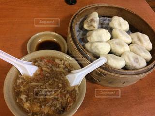 台湾,おいしい,台北,穴場,酸辣湯,肉饅頭,中山國小,圓山老崔蒸包