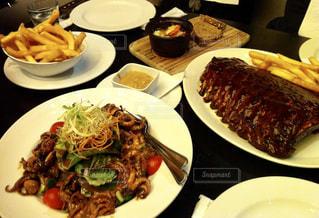 サラダ,おいしい,オーストラリア,お肉,サーファーズパラダイス,ゴールドコースト,SOUL,肉好き,ハリケーンズグリル,Harricane's Grill,ソウルホテル,ポークチョップ