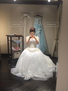 ドレス選びの写真・画像素材[782939]