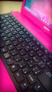 近くにコンピューターのキーボードの - No.936429