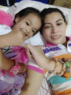 家族,子供 フィリピン 女の子,ママと子供