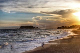 七里ヶ浜からの夕焼けの写真・画像素材[2340810]