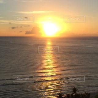 自然,海,空,夕日,太陽,ビーチ,夕焼け,波,光,旅行,旅,グアム,サンセット