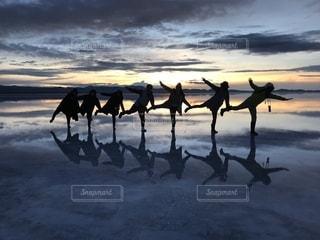 ウユニ塩湖の写真・画像素材[1196469]