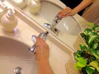 白,グリーン,手洗い,洗面台