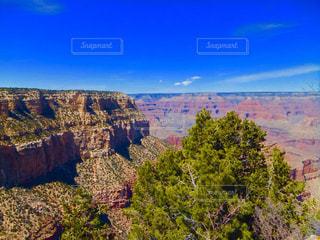 背景の山と渓谷の写真・画像素材[790256]
