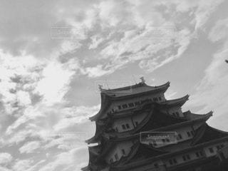 曇りの日に時計塔の写真・画像素材[814537]