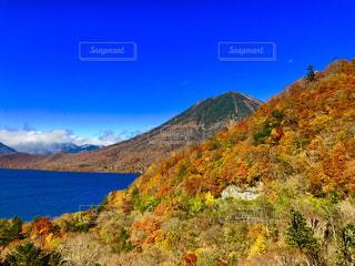 背景の山と水体 - No.840795