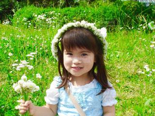 花,ワンピース,白,女の子,花冠,グリーン,シロツメクサ,ホワイト