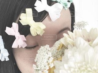 女性,ピンク,花束,カラフル,女の子,リボン,ブルー,パステル,イエロー,瞳,ホワイト,まつ毛,まゆ