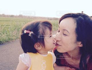 親子,子供,女の子,キス,笑顔,母,母の日,ママ