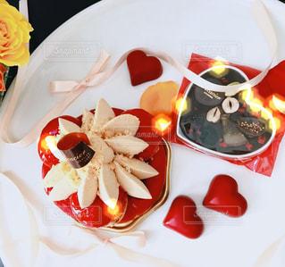 ケーキ,赤,黄色,バラ,薔薇,ハート,リボン,イベント,チョコレート,バレンタイン,ラブ,ゴールド,行事,フォトジェニック,Valentine,インスタ映え,本命チョコレート