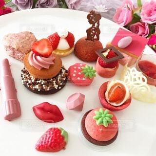 食べ物,飲み物,ケーキ,皿,料理,出前,誕生日ケーキ,菓子,宅配,テイクアウト,デリバリー,お持ち帰り