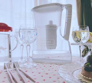 屋内,水,結婚式,デザート,テーブル,キャンドル,壁,食器,グラス,家具,デザイン,テーブルクロス,ワイングラス,浄水器,浄水,トレビーノ,浄水器ポット