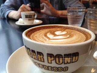 カフェ,コーヒー,お店,オシャレ,癒し,カップ,エスプレッソ,カフェラテ,渋谷,ラテアート,休日,お洒落,くつろぎ,2人,ON THE CORNER,オンザコーナー,起業家