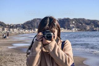 カメラ女子の写真・画像素材[1034950]