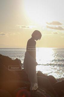 海辺の少女の写真・画像素材[1034968]