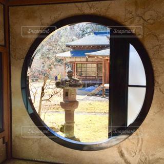日光田母沢御用邸記念公園 丸窓の写真・画像素材[1038676]