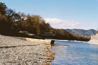 空,秋,紅葉,舟,哀愁,枯葉,長瀞,ライン下り,秩父,河岸,フィルム写真,秋の川
