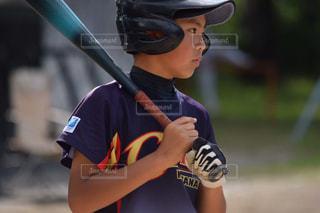 少年野球バットを握る - No.890932