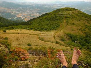 裸足 登山の写真・画像素材[1452204]