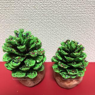 緑,赤,楽しい,松ぼっくり,キラキラ,クリスマス,手作り,クリスマスツリー