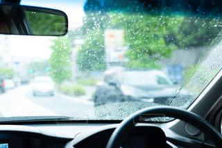 梅雨ドライブ 車窓の写真・画像素材[2187198]