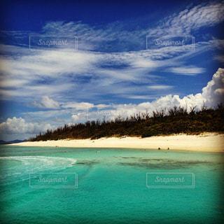 海,海水浴,砂浜,沖縄,旅行,旅,ブルー,グラデーション,コントラスト